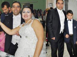 Fotoğraf için 15 yıl sonra yeniden düğün yaptı!