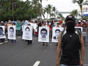 Meksika'da havaalanı işgal edildi