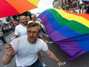 Almanya'da eşcinselleri camiye davet etti