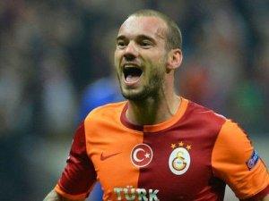Sneijder'den eski yönetime eleştiri