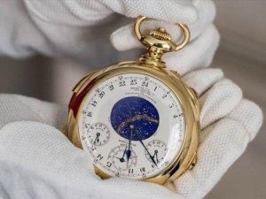 """Dünyanın """"en komplike"""" saati satıldı"""
