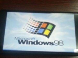 iPhone 6'da Windows 98 çalıştırdılar