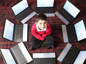 5 yaşında bilgisayar uzmanı