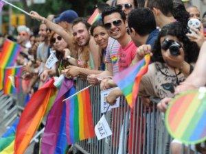 Hollanda, eşcinsel evlilik için liderliği üstlenecekler!