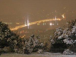 İstanbul'da kar yağışı başladı! İstanbul'da kar yağıyor