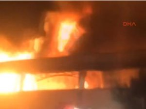 FLAŞ! Kimya fabrikasında yangın!