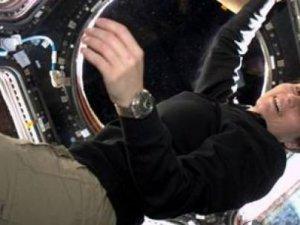 Uzaydaki astronota ücretsiz mesaj gönderin