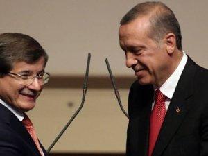 """""""Erdoğan ile Davutoğlu tencere kapak gibi"""""""