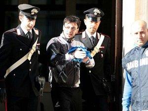 Mafya lideri mini barda yakalandı