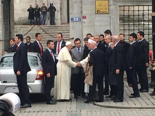İstanbul'da Mütevaziliğin Dibine Vuran Papa'lık Makamına Ait 21 Otomobil