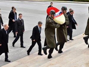 Rusya lideri Anıtkabir'i ziyaret etti