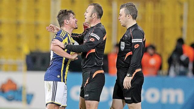 İşte Emre Belözoğlu'nun cezası!