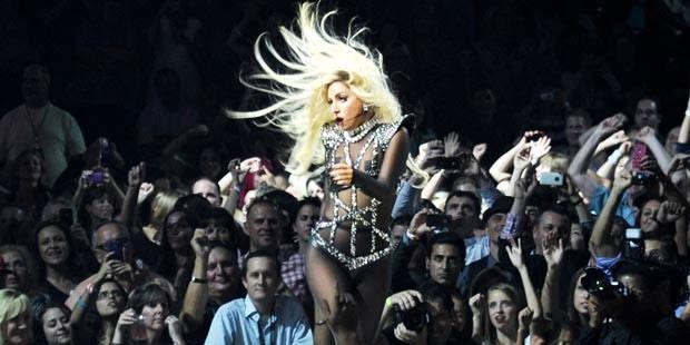 "Lady Gaga: ""19 yaşında tecavüze uğradım"""