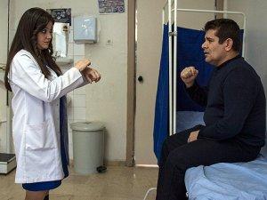 Engellilere, işaret dili bilen doktorlar bakacak