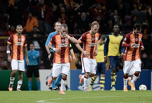 Galatasaray 4'e doydu