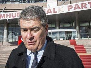 Süheyl Batum, partiden ihraç edildi