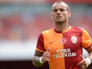 Sneijder yönetime ihtar çekti