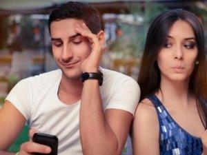 Akıllı telefonlar flörte sıcak bakıyor