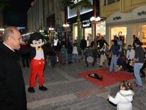 'Mersin Cadde Şenlikleri' Renkli Başladı