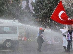 Ankara karıştı: 100 gözaltı