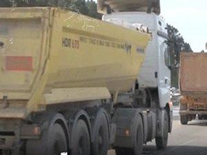 İstanbul'da kamyon şoförleri kontak kapattı