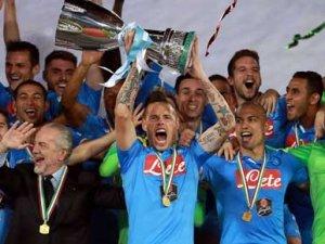 İtalya'da kupanın ismi Napoli