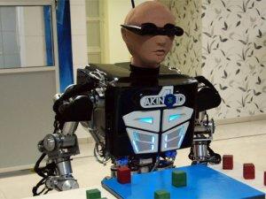 İnsansı robot AKINOID-3 geliyor