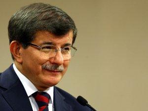 Başbakan Davutoğlu'nun kitabını korsan bastılar