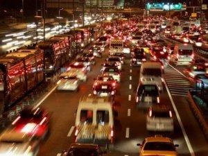 İstanbulluların bir yılı 356 güne düştü; 9 günü trafikte yedi!