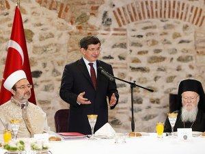 Başbakan Davutoğlu, azınlık cemaat temsilcileriyle biraraya geldi