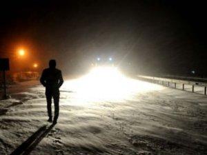 Okullar tatil, uçuşlar iptal, yolları kapalı