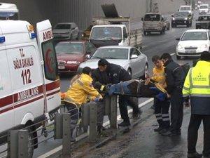 İstanbul'da metrobüs kazası: 3 yaralı