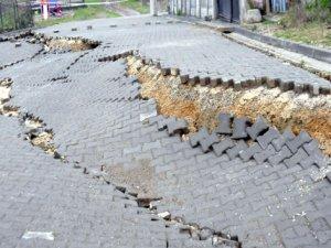 Bir sokak böyle kaydı!