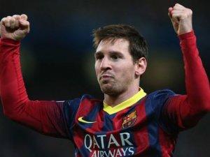 Dünyanın en pahalı futbolcusu oldu