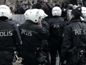Sultanahmet'te polise bombalı saldırı:1 polis şehit!