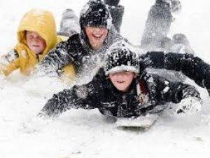 Ankara'da kar tatili devam ediyor