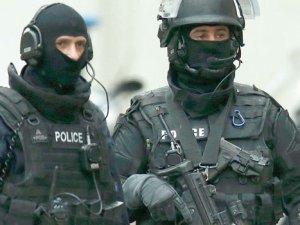 Charlie Hebdo saldırganlarının peşinde 3 bin polis var