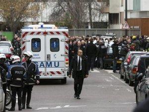 Fransa'da bir saldırı krizi daha! Sinagog çembere alındı