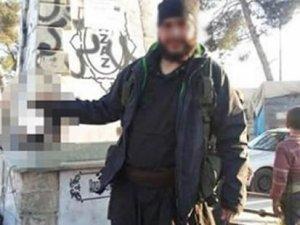 Kesik kafayla poz veren Türk IŞİD'ci öldürüldü