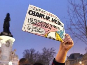 Charlie Hebdo'dan ahlaksızlık