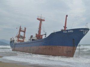 Suriye bandıralı gemi Anamur'da karaya oturdu