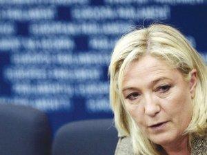 Marine Le Pen: Schengen'i askıya alalım
