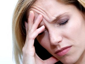 Baş ağrınızın nedeni sinüzit olabilir