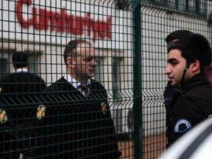 Cumhuriyet Gazetesi'ne protesto