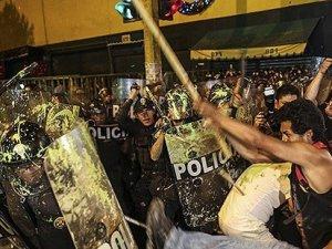 Peru'da işçiler hükümete isyan etti