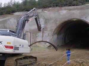 Bursa-Yenişehir arasındaki 75 km'lik hızlı tren hattı ihalesindeki skandal ortaya çıkardı.
