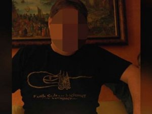 Almanya, Fatih Sultan Mehmet tişörtü giyen hakimi tartışıyor