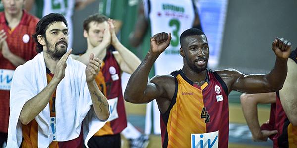 Galatasaray'da sorun çözüldü