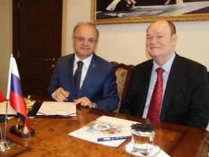 Mersin ile Rusya'nın Penza kenti arasında işbirliği anlaşması imzalandı