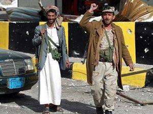 Yemen'de Husiler Cumhurbaşkanlığı Sarayı'na girdi